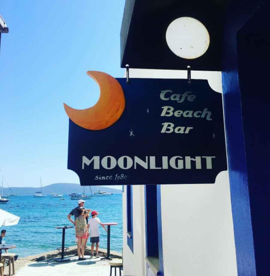 Moonlight Cafe Beach Bar