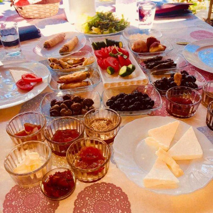 Çetilik Köy Kahvaltısı Dereköy